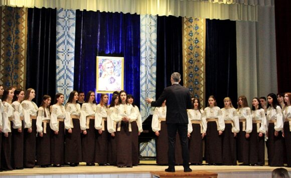 THE STUDENTS' CHOIR OF ZHYTOMYR MUSIC PROFESSIONAL COLLEGE NAMED AFTER V. KOSENKO